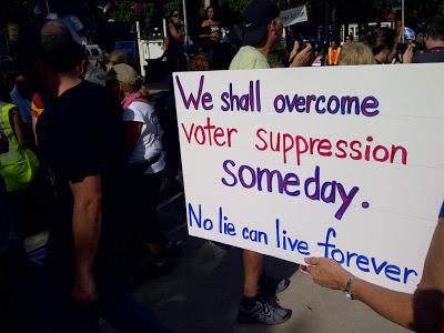 Independent Underground News & Talk - Photo Credit - PoliticsUSA